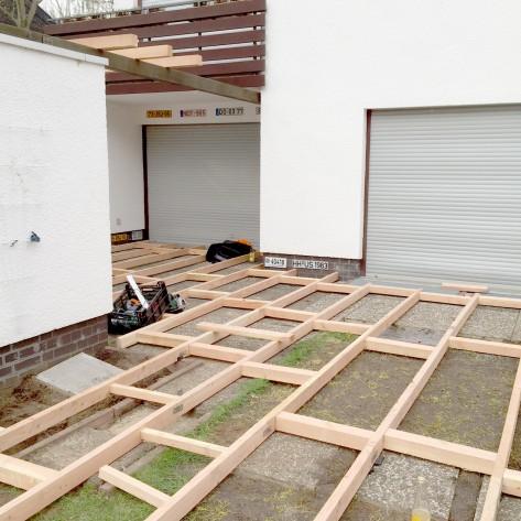 Unterkonstruktion der Holzterrasse